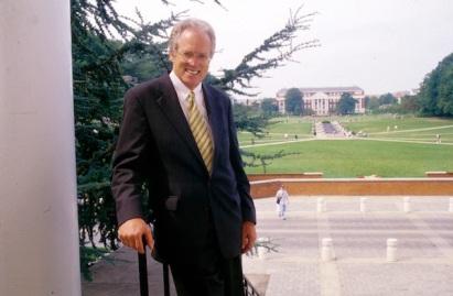 President Kirwan on McKeldin mall in 1994. Credit: John T. Consoli